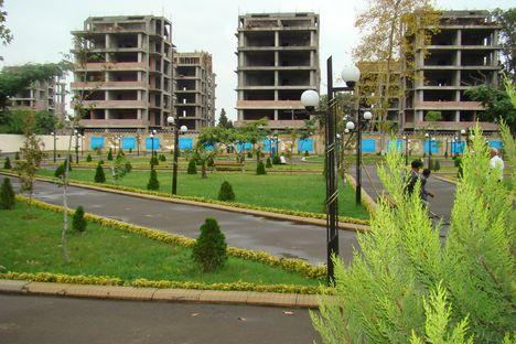 Идет бурное жилищное строительство